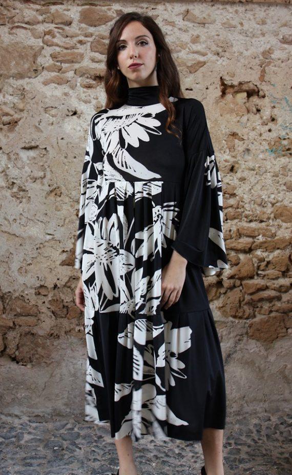 Abito fiori bianco e nero oblo Elio Fronterrè stilista italiano siciliano marzamemi1