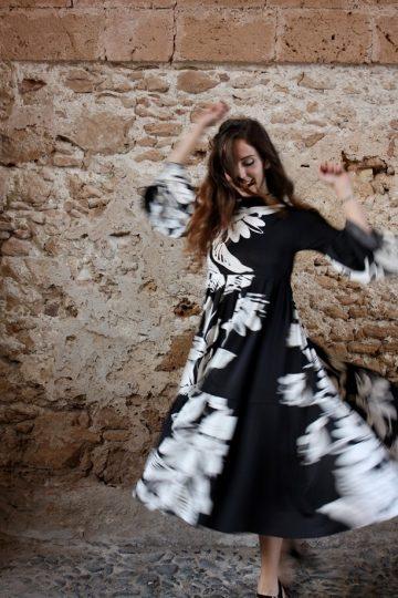 Abito fiori bianco e nero oblo Elio Fronterrè stilista italiano siciliano marzamemi2
