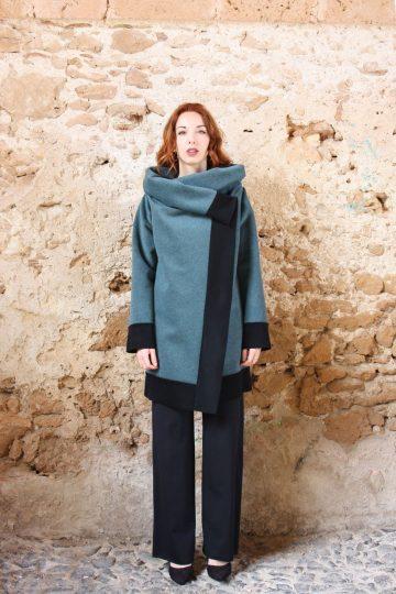 Cappotto azzurro polvere nero collezione autunno inverno 2019 elio fronterre marzamemi sicilia4