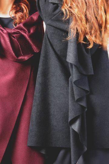 Cappotto bordeaux collo ad anello collezione autunno inverno 2019 elio fronterre marzamemi sicilia4