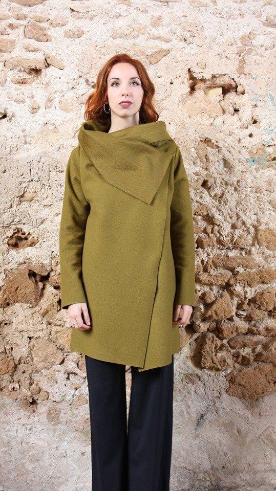 Cappotto verde acido collezione autunno inverno 2019 elio fronterre marzamemi sicilia2