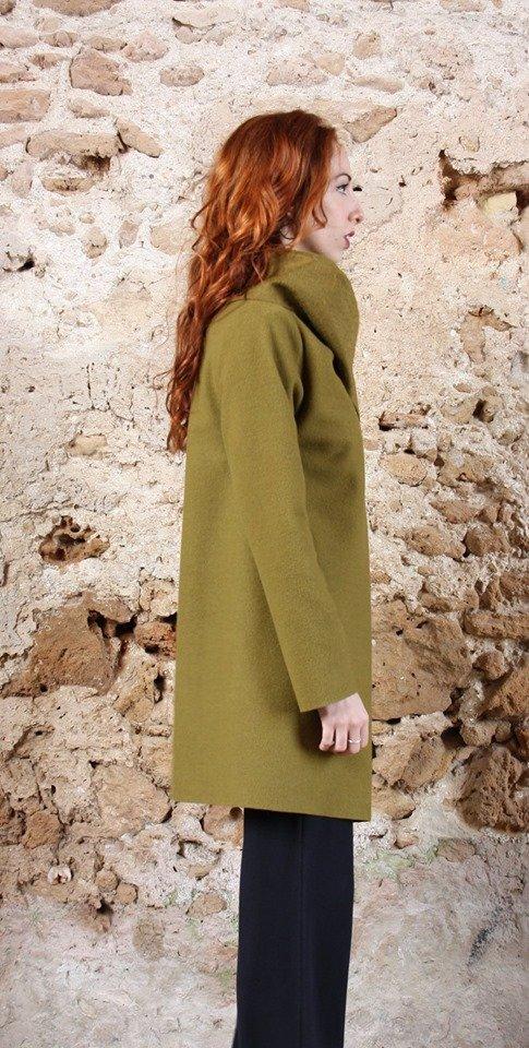 Cappotto verde acido collezione autunno inverno 2019 elio fronterre marzamemi sicilia4