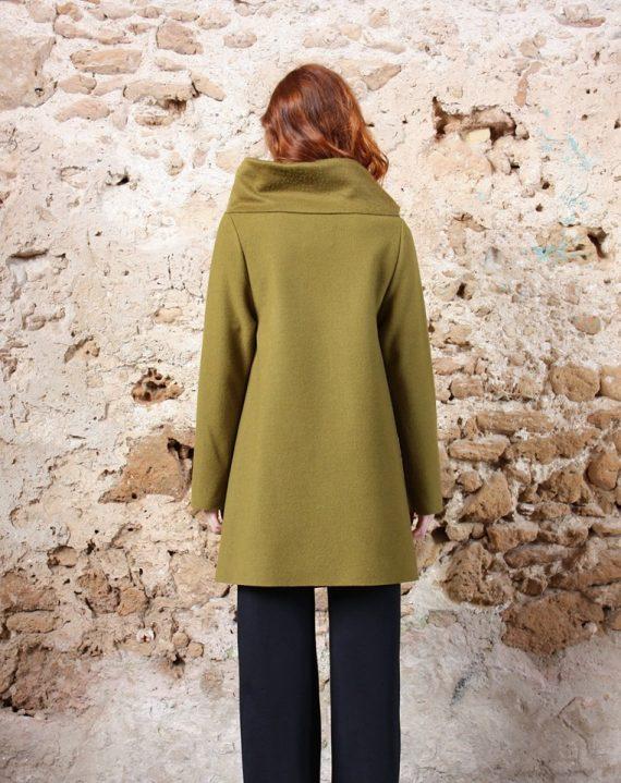 Cappotto verde acido collezione autunno inverno 2019 elio fronterre marzamemi sicilia5