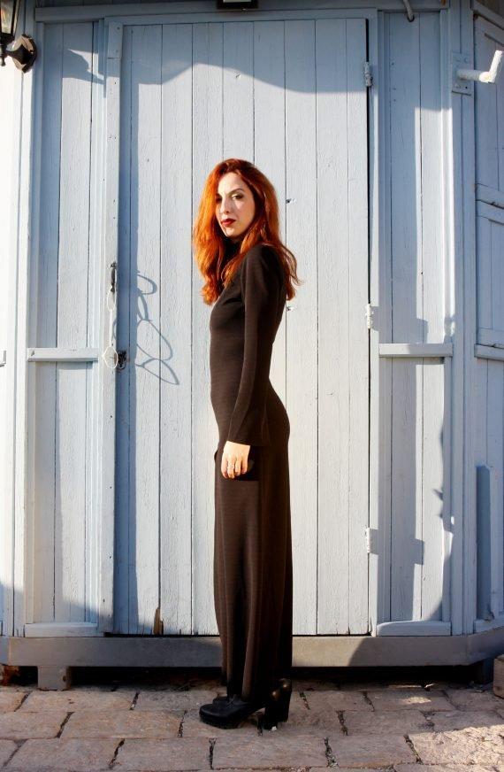 Art F37 abito lungo nero con spacco scaled