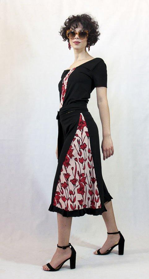 V69 Pantagonna nera con bande fiori rossi Elio Fronterrè collezione primavera estate 2021 via con me marzamemi sicilia sicily 2 2